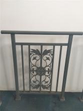 铁艺花纹栏杆