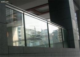 铁艺玻璃栏杆